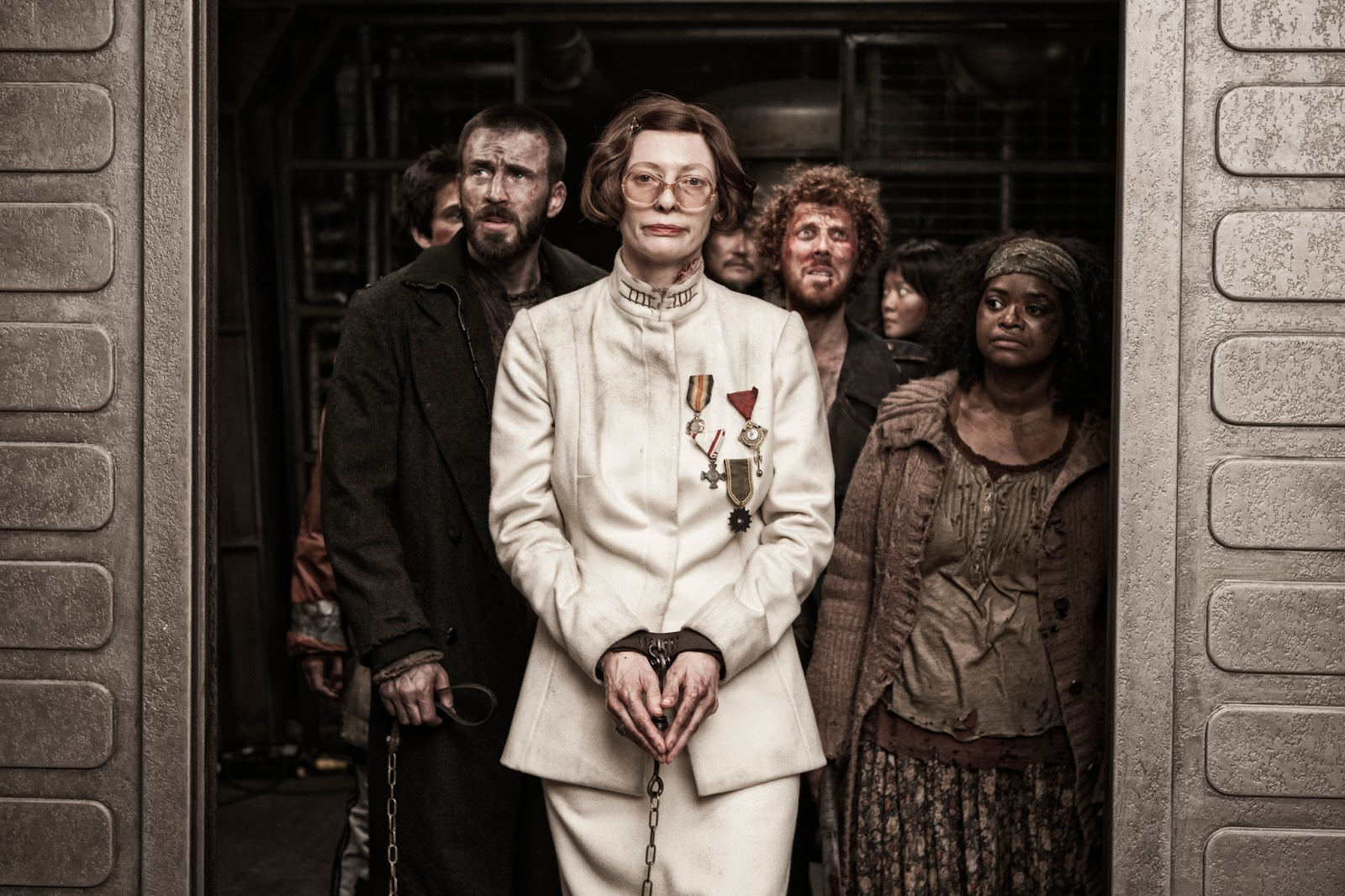 The Ace Black Blog: Movie Review: Snowpiercer (2013)