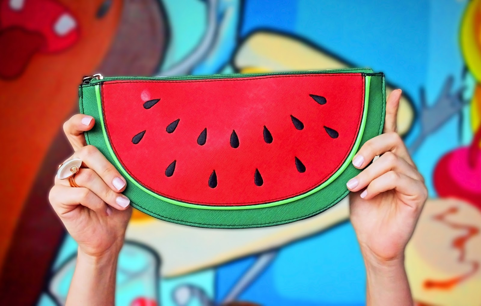 The Perfect Clutch for Summer!