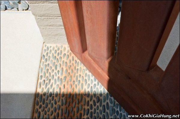 Xưởng gia công mẫu cửa sắt giả gỗ CK164 độc đáo nhất TpHCM
