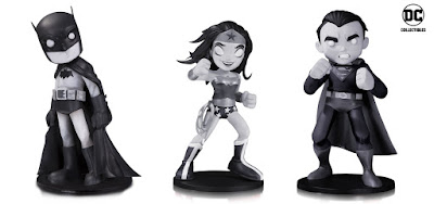 DC Comics Artists Alley Chris Uminga Black & White Variant Statues