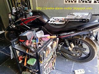 Cara pasang alarm motor remote pada Honda Tiger 2000
