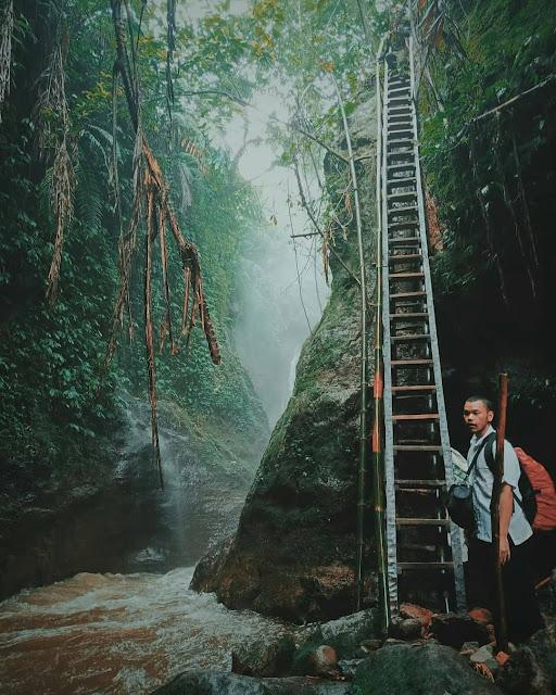 Spot Foto bagus di Curug Kiara Gunung Menir