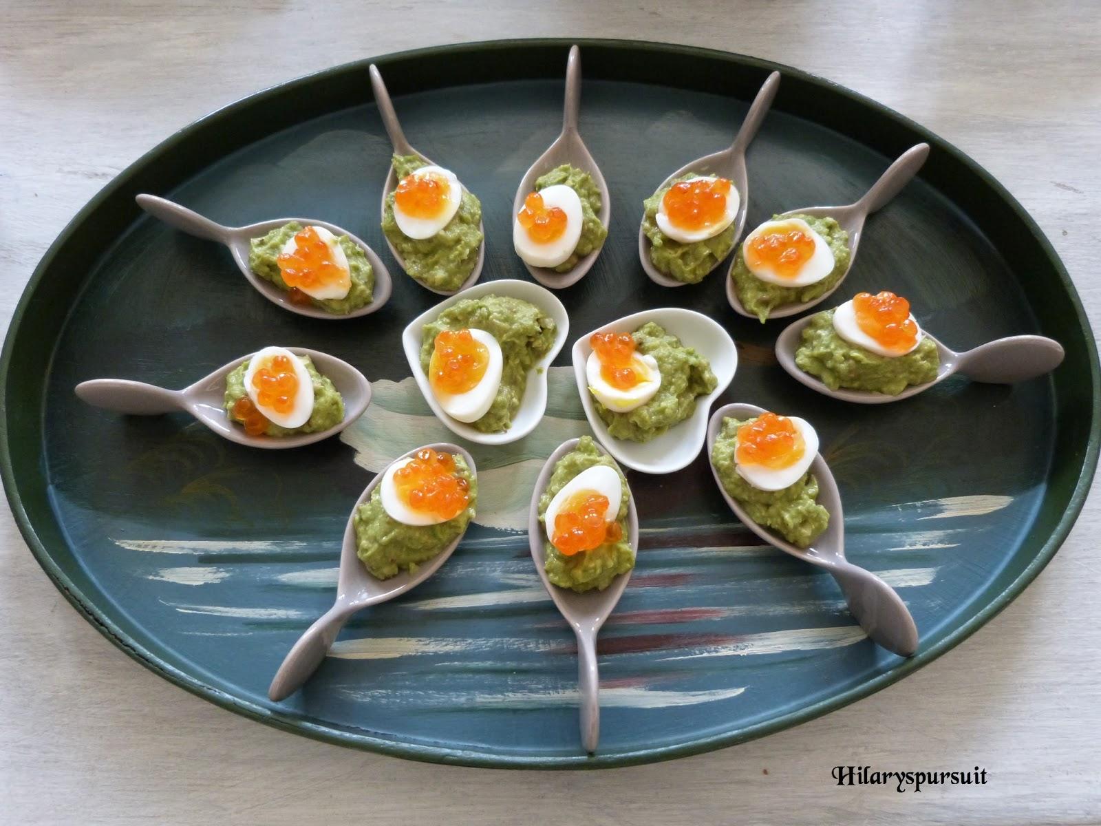 dans la cuisine d 39 hilary bouch es oeuf de cailles mollet au guacamole soft boiled quail eggs. Black Bedroom Furniture Sets. Home Design Ideas