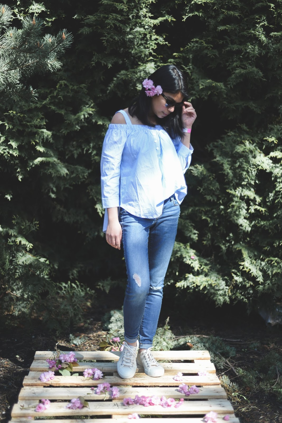 portland fashion blogger, pink sneakers, spring style, toms sunglasses, off the shoulder top, ripped jeans., wmgoods, veja, hand made, portland store,