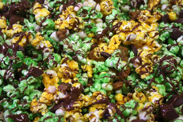 halloween vegan popcorn