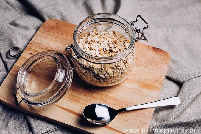 Oats oatmeal rolled oats