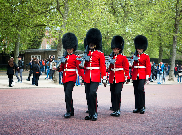 change of guard buckingham london
