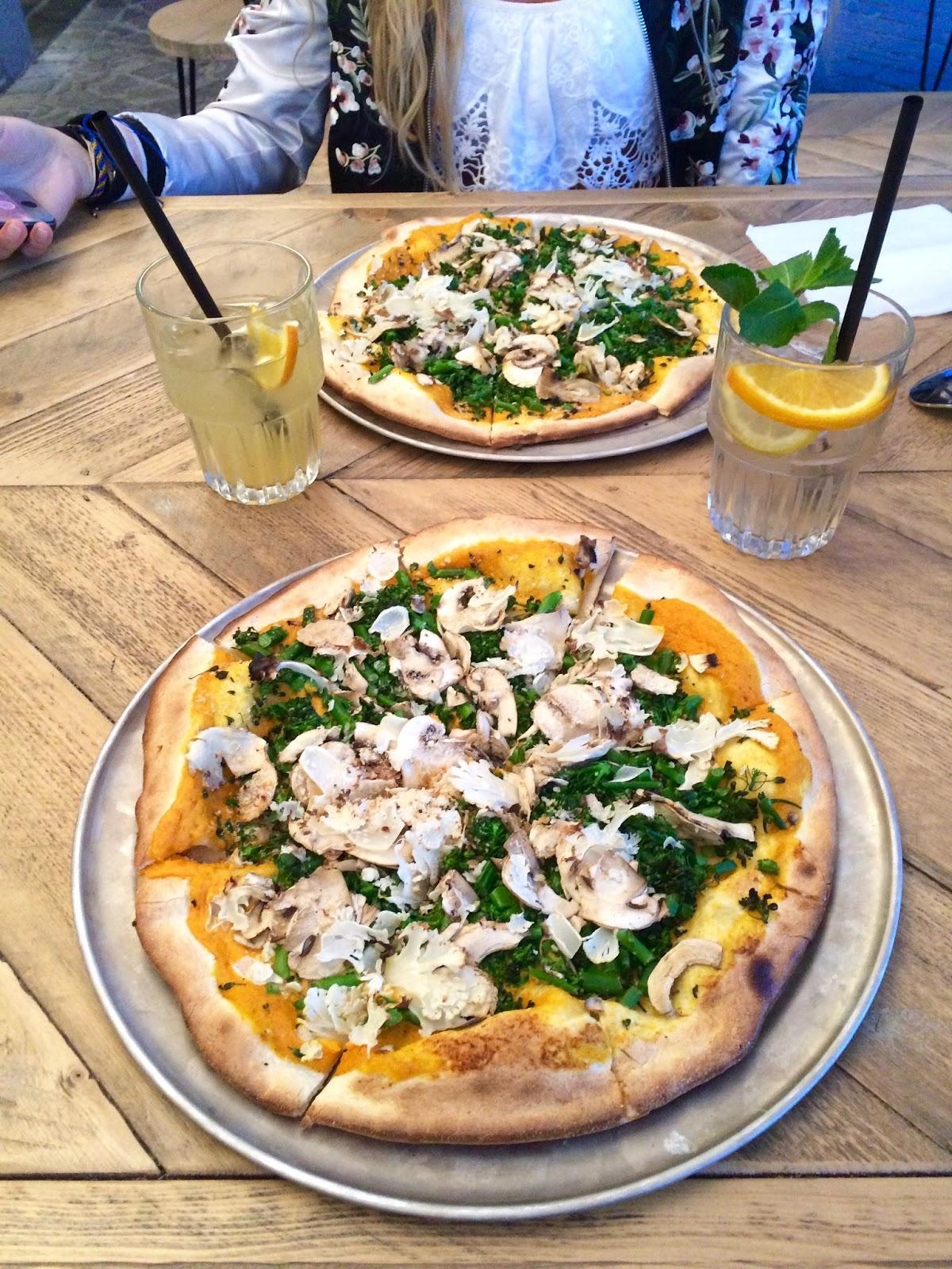 Pizza in Antwerp - Otomat