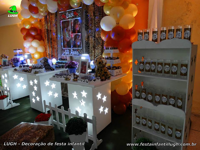 Decoração de mesa de aniversário tema da Oncinha