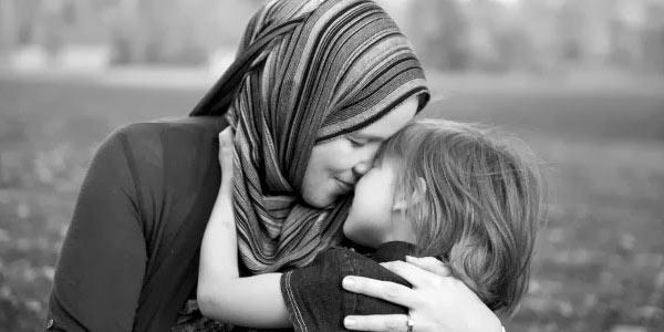 Senjata Yang Sangat Ampuh Yang Dimiliki Oleh Seorang Ibu Inilah Senjata Yang Sangat Ampuh Yang Dimiliki Oleh Seorang Ibu