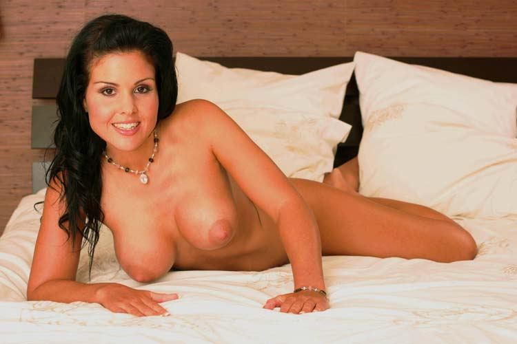 Full figured woman naked in bed