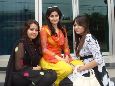 Pakistani Sexy Hot Girls Group
