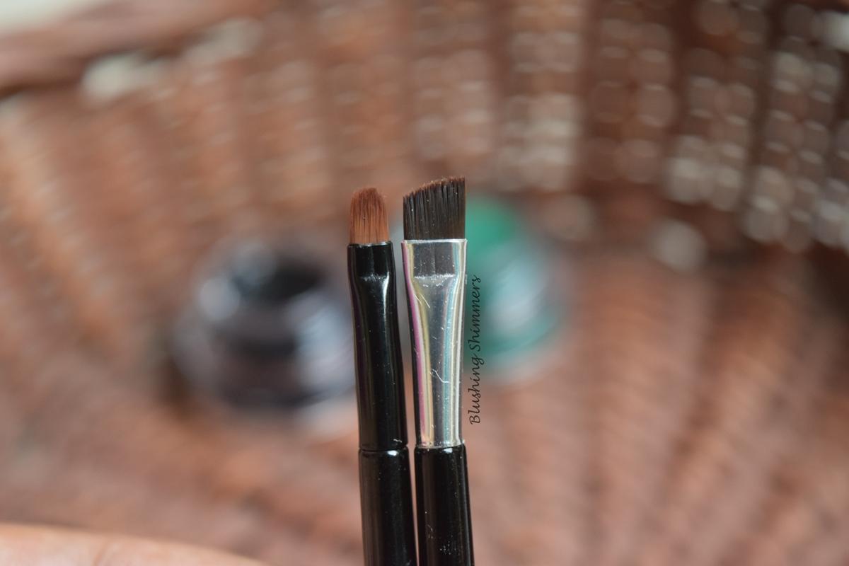 Music Flower Long-wear Gel Eyeliner in Black and Green Brushes