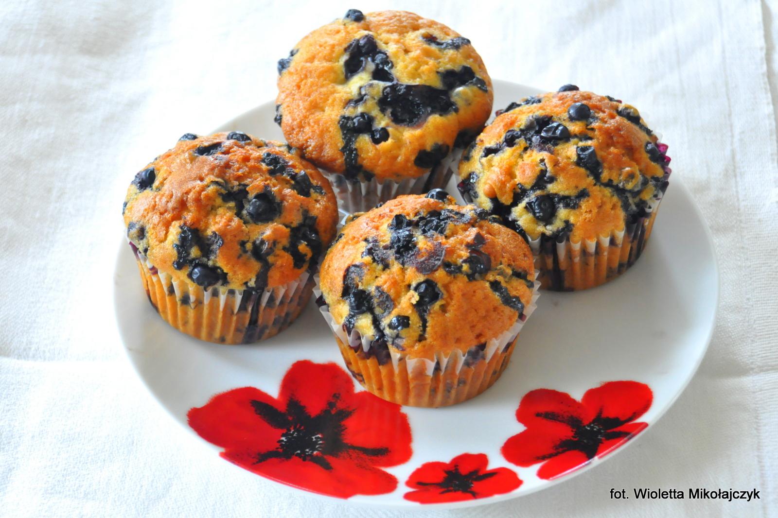 Mocno jagodowe muffiny -> owocowe pieguski.