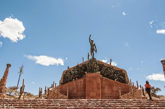 Monumento al gaucho en Humahuaca. Viajando por Argentina. La quebrada de Humahuaca