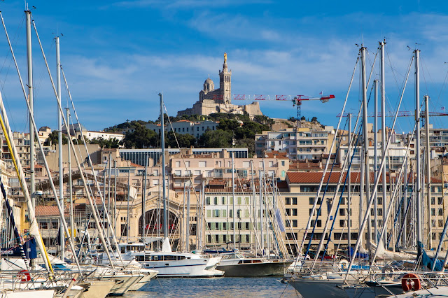 Santuario di Sainte Marie de la gard vista dal porto-Marsiglia