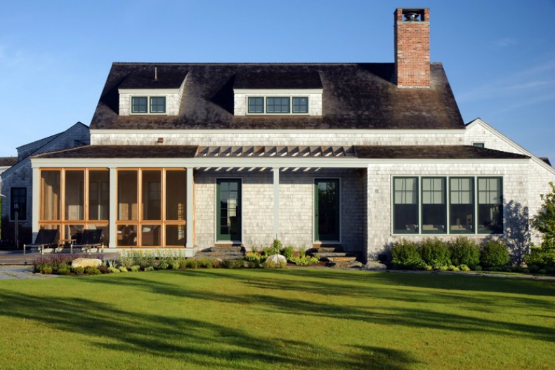 Coastal classic and modern nantucket beach house