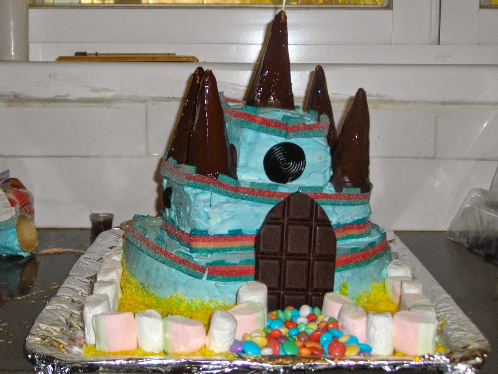 IMGP2880 - עוגת יומולדת בצורת ארמון