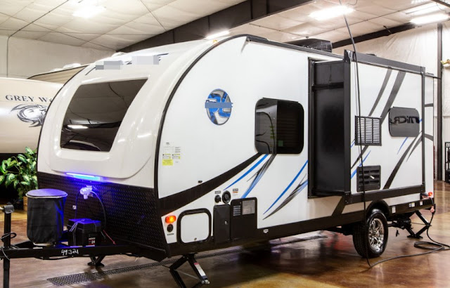 The best foot travel trailer with slide out