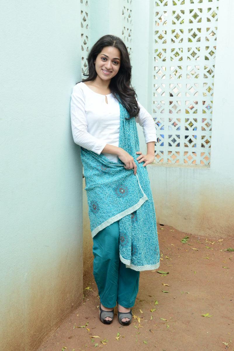 divin sexy Reshma beautiful photos at love cycle success meet