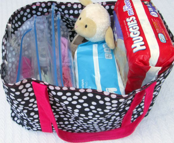 How to pack the perfect daycare bag for the baby or infant of a working mom: A stay at daycare just in case bag
