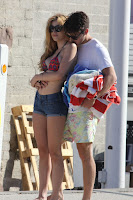 Bella Thorne shows PDA with boyfriend on Malibu beach