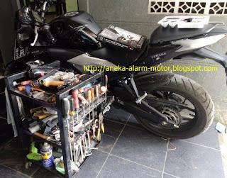 Cara pasang alarm motor pada Yamaha MT25