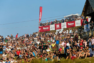 20 Crowd in Pantin Contest Site Pantin Classic Galicia Pro foto WSL Laurent Masurel