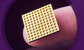 Beültethető gyógyszeradagoló chipek váltják az injekciókat