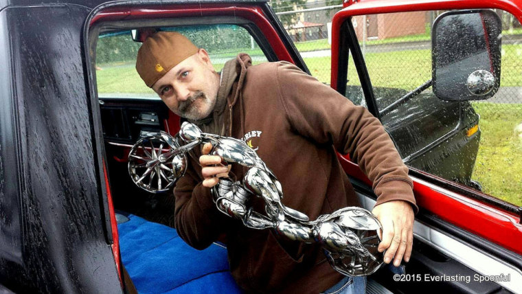 13-Jim-Rice-Chopper-Motorcycle-Sculptures-made-from-Spoons-www-designstack-co