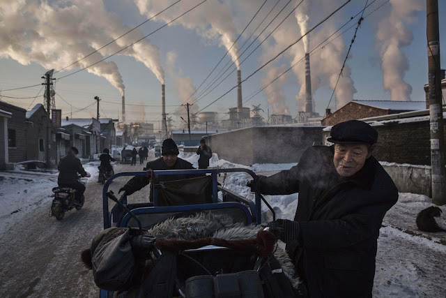 Green Pear Diaries, fotografía, World Press Photo Contest 2016, China's Coal Addiction, Kevin Frayer