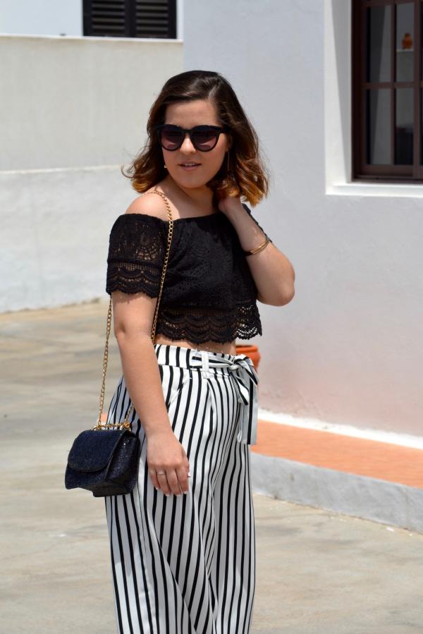 look_crop_top_crochet_pantalones_culotte_lolalolailo_05