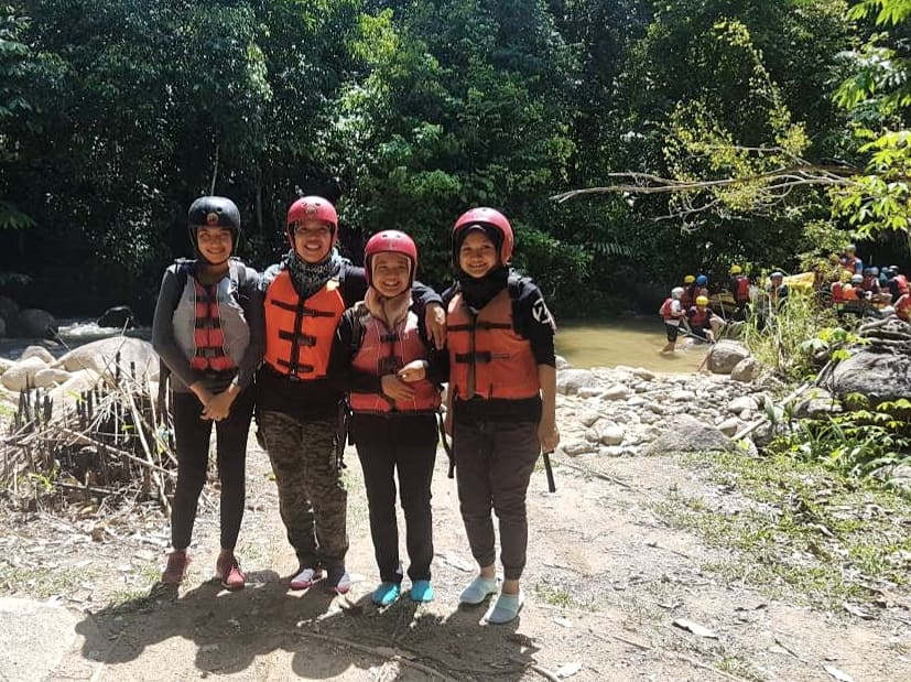 White water rafting Ulu Slim River Malaysia - Ummi Goes Where?