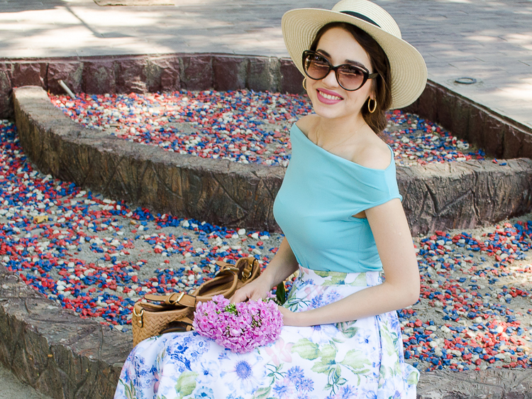 diyorasnotes floral midi skirt asos blue top 48 - LOOK OF THE DAY: FLORAL PRINT MIDI SKIRT