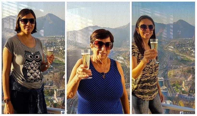 Fingindo de ricas lá no Sky Costanera de Santiago - kkk - Diário de Bordo Chile: 8 dias em Santiago e arredores