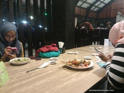 KULINER MEDAN : DINNER CANTIK DI RESTORAN LEMBUR KURING MEDAN