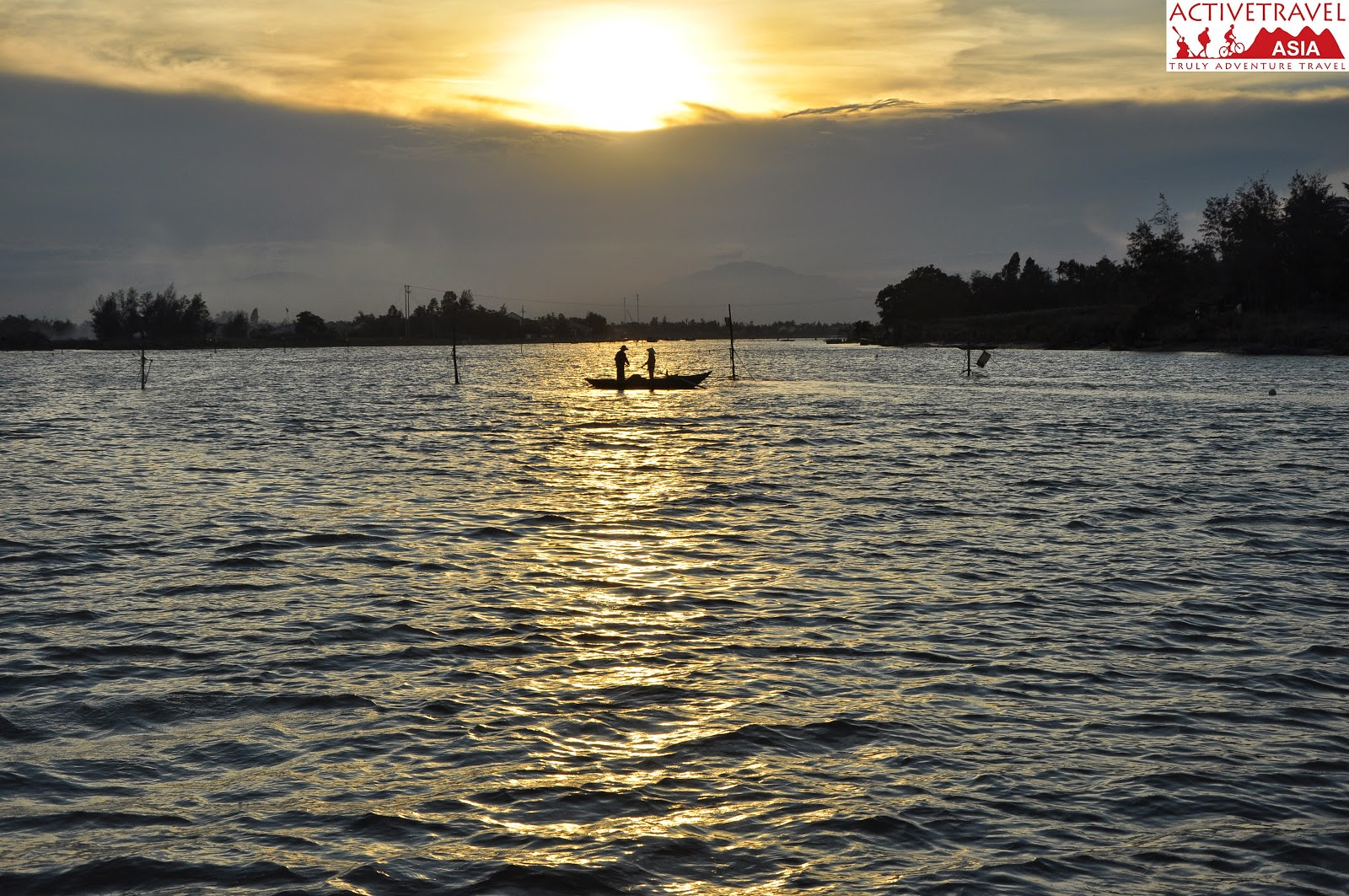 Hoi An sunset cruise 4