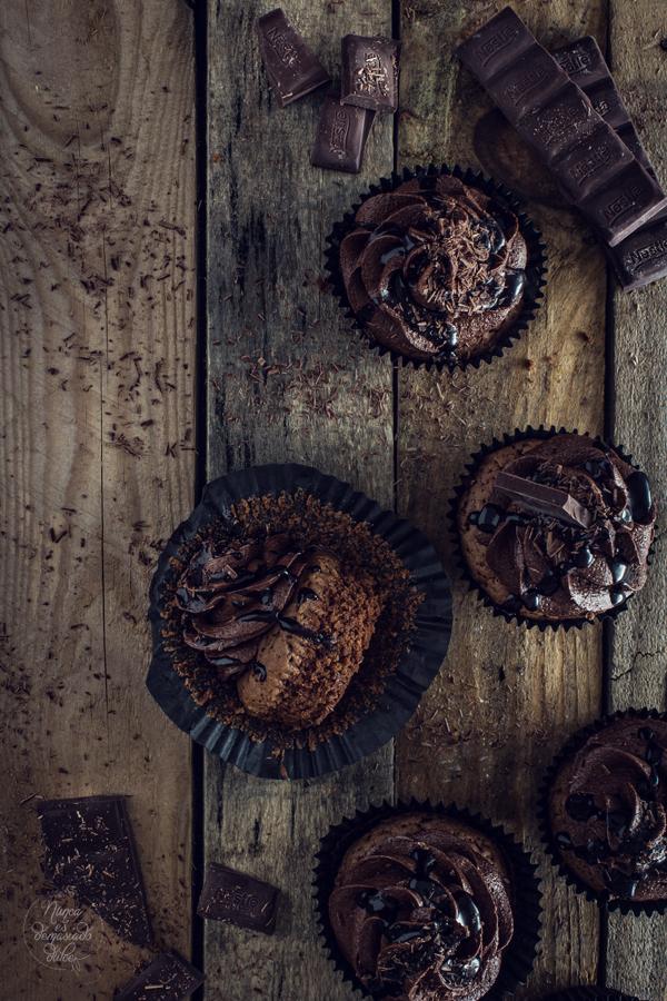 brownie-cupcakes-chocolate-negro