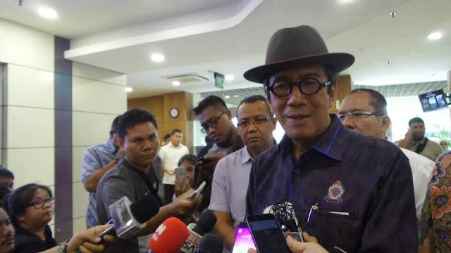 10 Juta TKA China 'Serbu' Indonesia, Yasonna: Turun dari Langit?