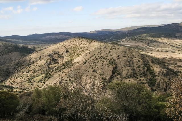vistas desde el yacimiento de Aigai.