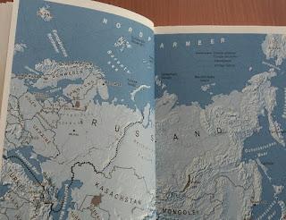 Innenansicht vom Buch zeigt eine Karte von Russland