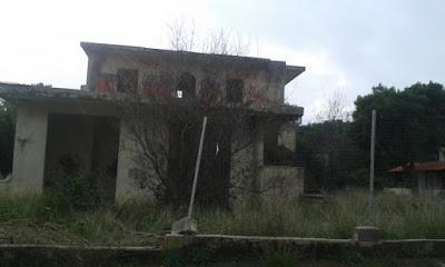 Ο θρύλος με το ''στοιχειωμένο'' σπίτι στο Μάτι (ΝΕΑ ΜΑΚΡΗ)