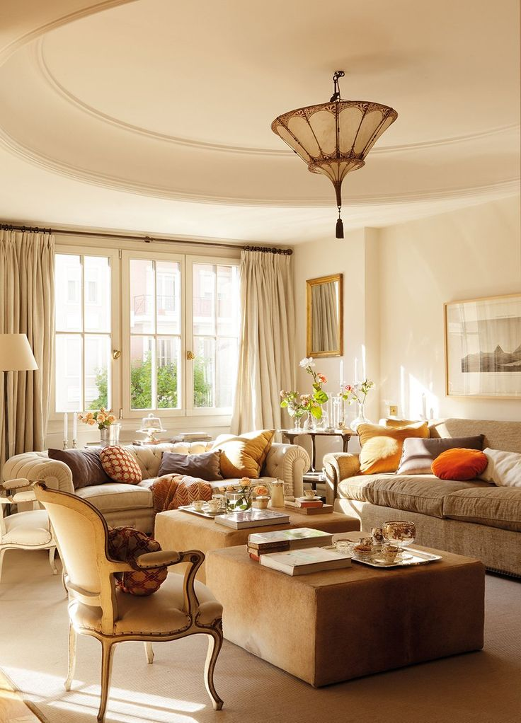 Lunch latte interior design romantic style in madrid - Muebles de chimenea ...