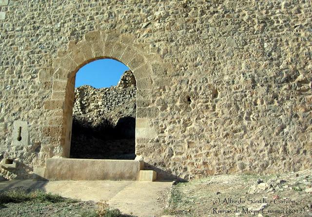 puerta-ojos-moya-cuenca-exterior