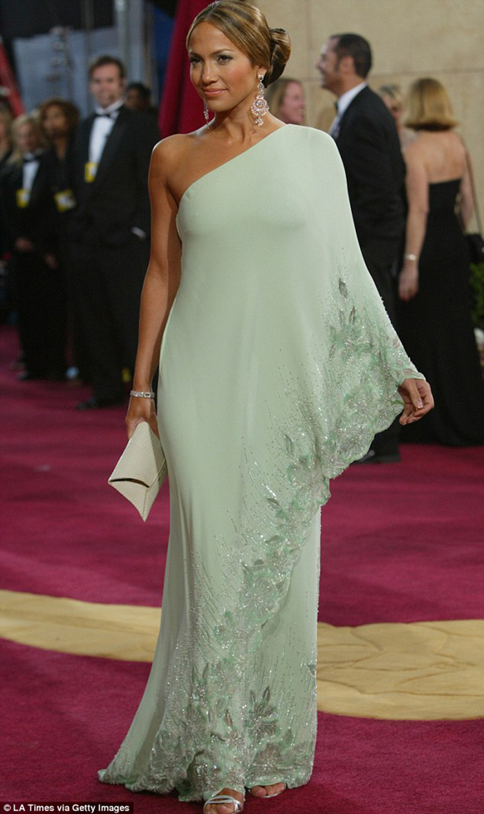 Top Ten Best Vintage Dresses on the Red Carpet - CutandChicVintage