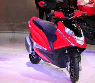 New coming Hero Dare 125cc Scooter Red & black color Hd picture