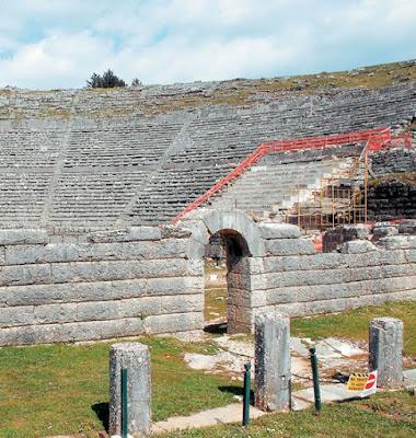 250 θησαυροί από το αρχαίο ιερό της Δωδώνης στο Μουσείο Ακρόπολης