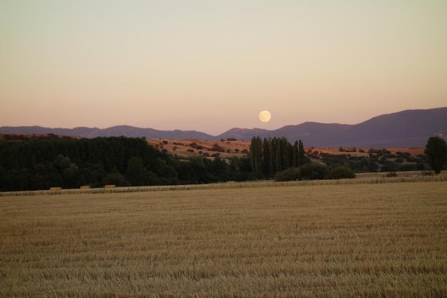 harvest-moon-in-the-month-of-september
