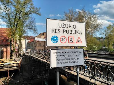 puente entrada republica uzupis