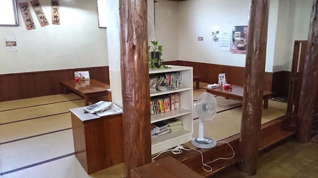 沖縄そば 又吉製麺(又吉そば)の店内の写真